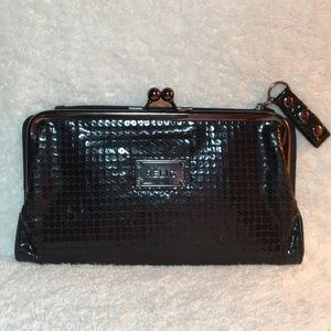 EUC 🍒 RELIC Leather Sequin Kiss-Lock Snap Wallet